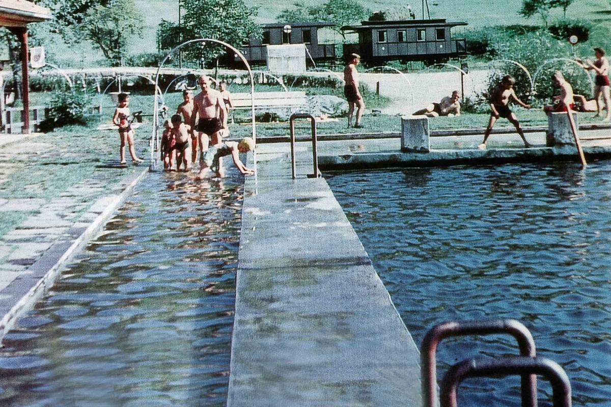 Schwimmbad in den 50er Jahren
