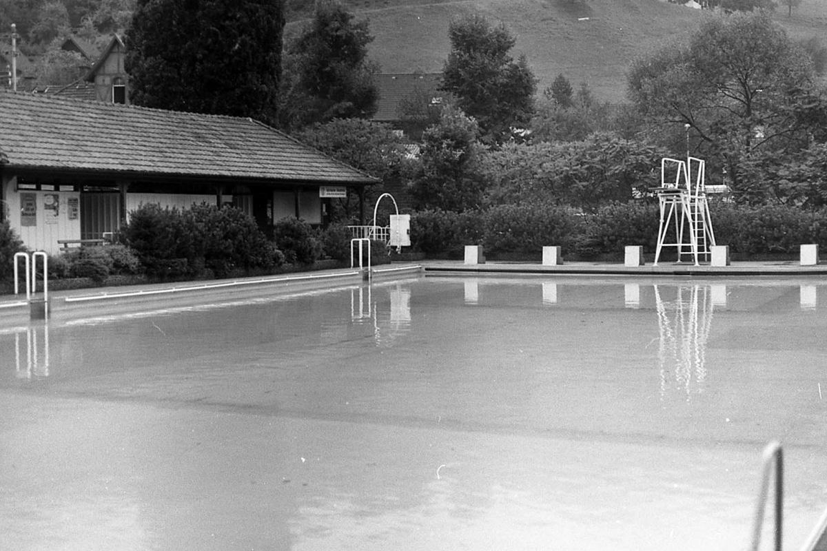 Schwimmbad in den 80er Jahren